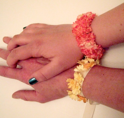 diy: pretty flower bracelets