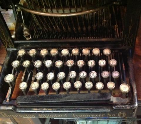 040913typewriter